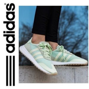 NWT Adidas Originals sneakers mint